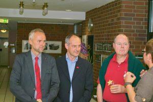 Gemeinsam für Erkrath aktiv: Peer Steinbrück, Detlef Ehlert und Manfred Krick (von rechts)