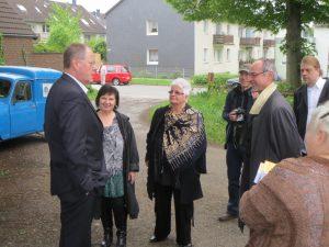 Steinbrück trifft Künstler in der Dorfschule Millrath