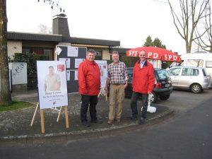 Peter Urban, Norbert Laube, Detlef Ehlert (vl) beim Info-Stand in Unterfeldhaus