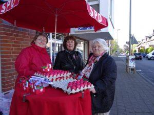 Marleen Buschmann, Edeltraud van Venrooy und Karin Fink (von links) 2014