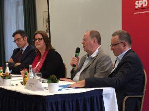 Diskutieren zu TTIP: Kerstin Griese, Peer Steinbrück, Werner Kindsmüller Kai Mornhinweg