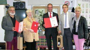 Drei mal 40 Jahre: Hans Hartmann, Rita Bechem, Detlef Ehlert, hier mit Klaus Bauer und Sabine Lahnstein