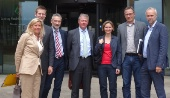 Manfred Krick mit Erkrather und Haaner BürgermeisterInnen, technischen Beigeordneten sowie VRR-Vorstnd Husmann